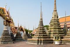 Chedis em Wat Pho Fotografia de Stock