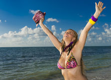 Cheerful woman in the beach Royalty Free Stock Photography