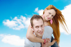 Cheerful young couple in love Royalty Free Stock Photos