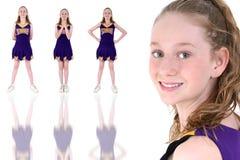Cheerleader met de Officieuze Naam van het Team en Eenvormige Kleuren Stock Foto's