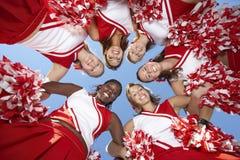 Cheerleaders in Wirwar, mening van onderaan Royalty-vrije Stock Afbeelding