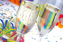 Cheers - Lei Lei. 2 Glasses of Sparkling Wine on Carnival  - 2 Sektfloeten zu Fasching Royalty Free Stock Photos
