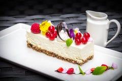 Cheescake blanco del chocolate Fotografía de archivo