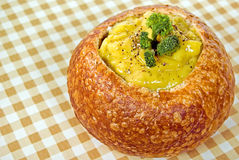 Cheese and broccoli soup in bread bowl Royalty Free Stock Photos