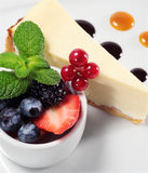 Cheese Cake With Fresh Berries Royalty Free Stock Images