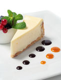 Cheese Cake With Fresh Berries Royalty Free Stock Photos