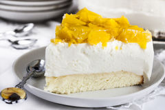 Cheese cake with yogurt and peaches Royalty Free Stock Images