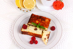 Cheese casserole with raisins and lemon Royalty Free Stock Photos