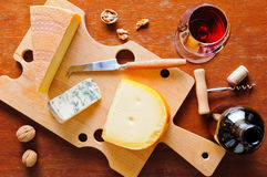 Cheese plate and red wine Royalty Free Stock Photos