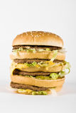 cheeseburger τριπλάσιο Στοκ εικόνα με δικαίωμα ελεύθερης χρήσης