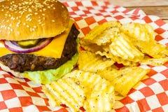 cheeseburger Στοκ Εικόνες
