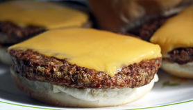 cheeseburger Stockfoto