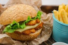cheeseburger Стоковая Фотография