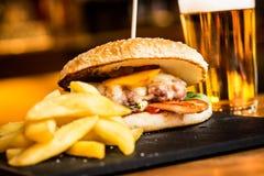 Cheeseburger Royalty Free Stock Photo