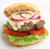 Cheeseburger casalingo Fotografia Stock Libera da Diritti