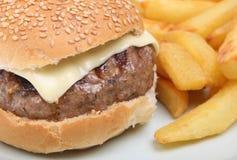 Cheeseburger & Chips Royalty Free Stock Photo