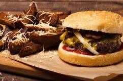 Cheeseburger delicioso foto de archivo