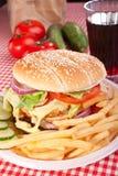 Cheeseburger, frieten en kola Stock Foto