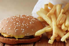 Cheeseburger i Dłoniaki obraz royalty free