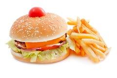 Cheeseburger mit Pommes-Frites Stockfotos