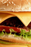 Cheeseburger sabroso grande Imagen de archivo libre de regalías