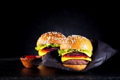 Cheeseburgers бургеров Стоковые Фотографии RF