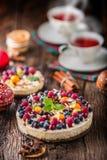 Cheesecake με τα σμέουρα φραουλών μούρων νωπών καρπών και Στοκ εικόνες με δικαίωμα ελεύθερης χρήσης