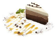 Cheesecake στο άσπρο υπόβαθρο στοκ φωτογραφία