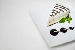 Cheesecake στο πιάτο Στοκ εικόνες με δικαίωμα ελεύθερης χρήσης
