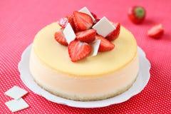 Cheesecake φραουλών βανίλιας στοκ εικόνες με δικαίωμα ελεύθερης χρήσης
