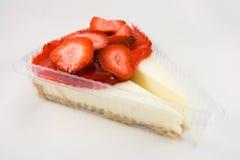 cheesecake отрезает клубнику 2 Стоковое Фото