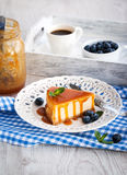 Cheesecake with caramel sauce Stock Photos