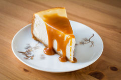Cheesecake with caramel sauce Stock Photography