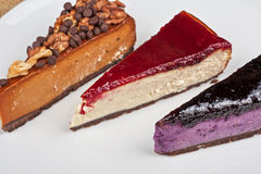 Cheesecake with chocolate and nuts Royalty Free Stock Photos