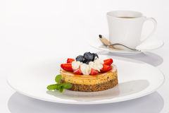 Cheesecake and cup of coffee Royalty Free Stock Photos