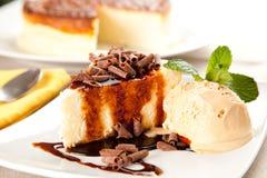 cheesecake czekoladowy śmietanki lód Fotografia Royalty Free