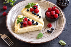 Cheesecake with fresh berries Royalty Free Stock Image