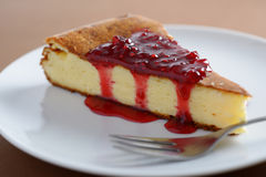 Cheesecake with jam Royalty Free Stock Images