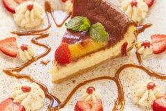 Cheesecake robić z ricotta truskawkami i serem fotografia stock