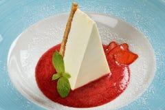 Cheesecake z świeżym truskawkowym kumberlandem Obraz Stock