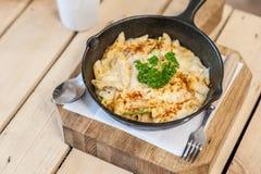 Cheesy baked macaroni Royalty Free Stock Photos