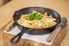 Cheesy baked macaroni Stock Photography