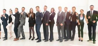 Chef avec l'équipe créative d'affaires Image libre de droits
