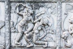 Chef d'oeuvre de l'art thaïlandais traditionnel de stuc de style vieux au sujet de Ramay Image stock