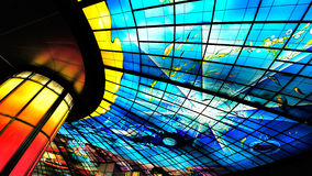 Chef d'oeuvre en verre sur le toit de la station de Meilidao à Kaohsiung, Taïwan Photographie stock libre de droits
