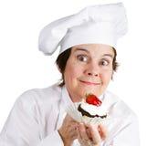 Chef de pâtisserie enthousiaste Photo stock