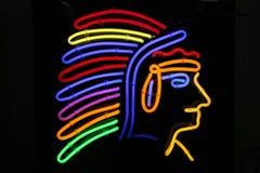 Chef de Peau Rouge de natif américain dans une lampe au néon images libres de droits