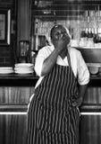 Chef de restaurant faisant une pause image libre de droits