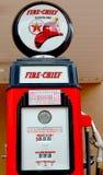 Chef des pompiers à gaz de Texaco de signe de pompe Images libres de droits