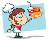 Chef-Junge tragende ein Hotdog-Pommes-Frites und Getränk Stockbild